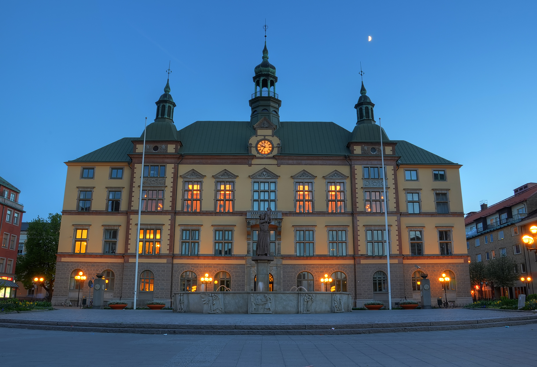 Hometown City Hall by HenrikSundholm