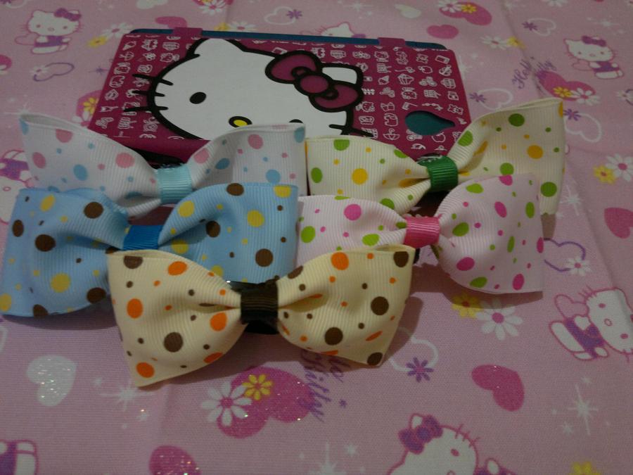 large polka dotted bows by Hotaru-oz