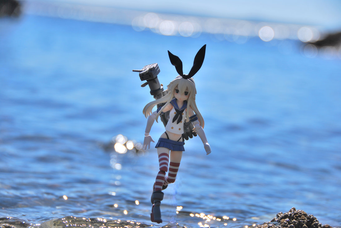 Shimakaze on The Water by MikuLoveLeeks
