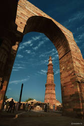Qutub Minar by khurafati