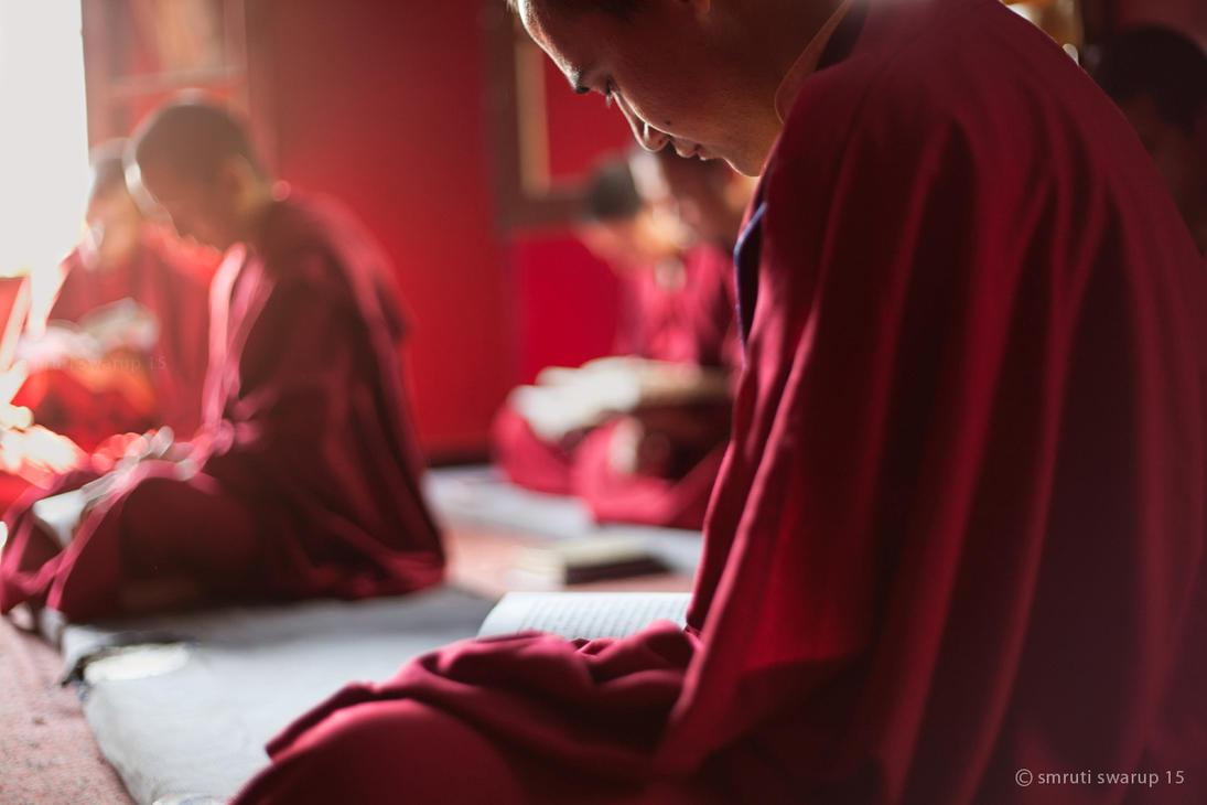 Rewalsar - Monks reading by khurafati