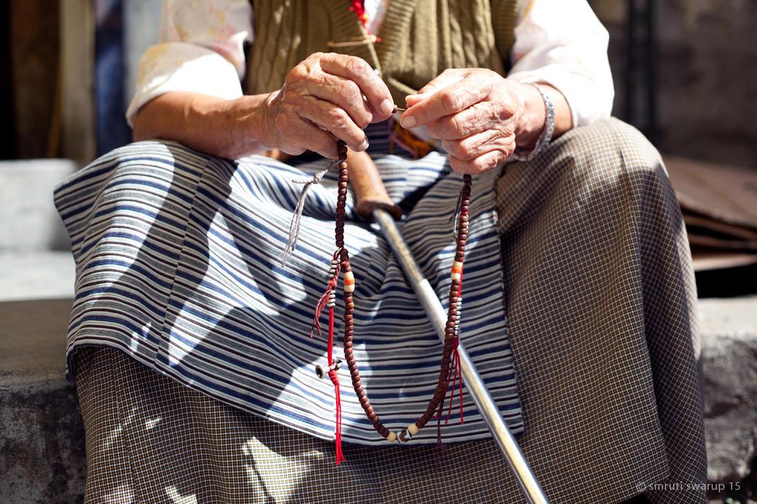 Rewalsar - Praying beads by khurafati