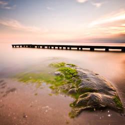 Green rock by muratgorgulu