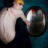 Black mirror. by daunhaus