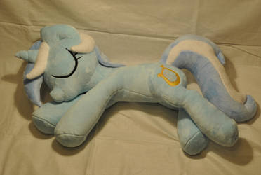 Sleeping Lyra by KetikaCraft