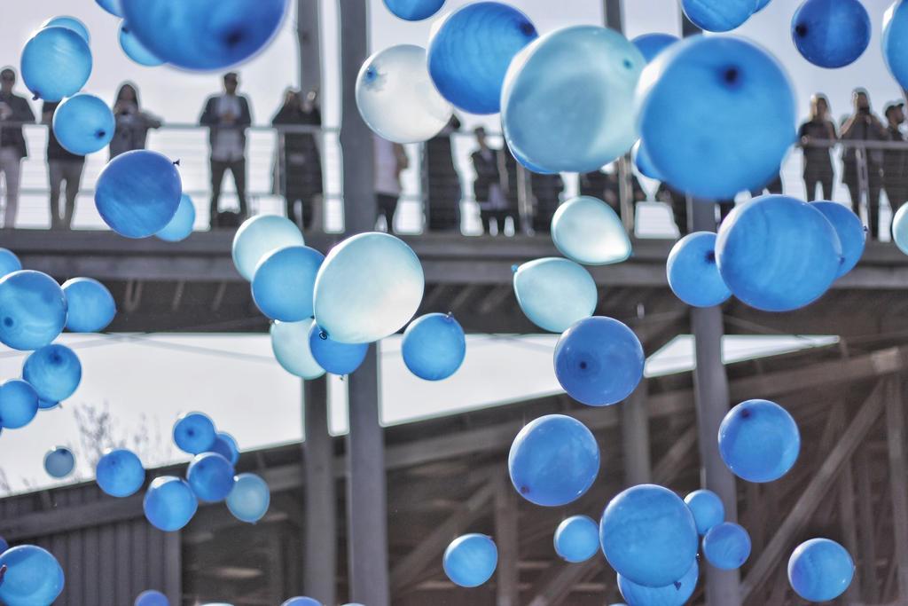 balloons by Psalmalia