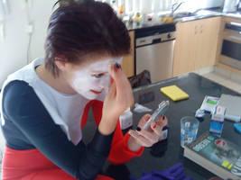 Harley Quinn applying face
