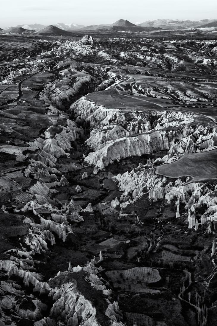 Uchisar Kalesi by Dredged