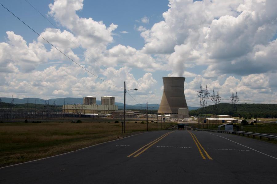 http://fc01.deviantart.net/fs71/i/2010/215/6/d/Nuclear_Power_Plant_4_by_Fairiegoodmother.jpg