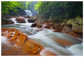 Douglas Falls by joerossbach