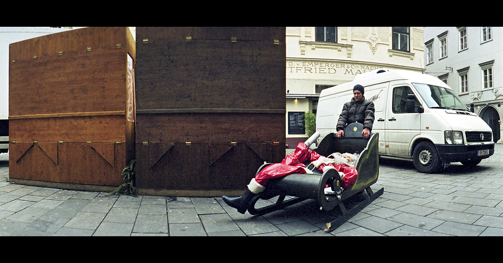 santa's sled - going to hell by backstein