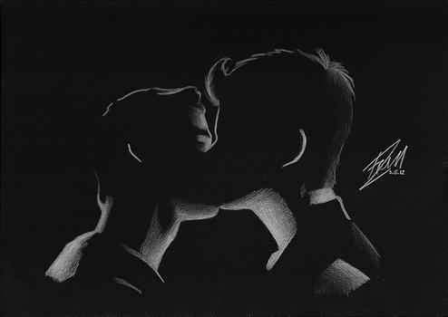 Klaine - kiss in the dark