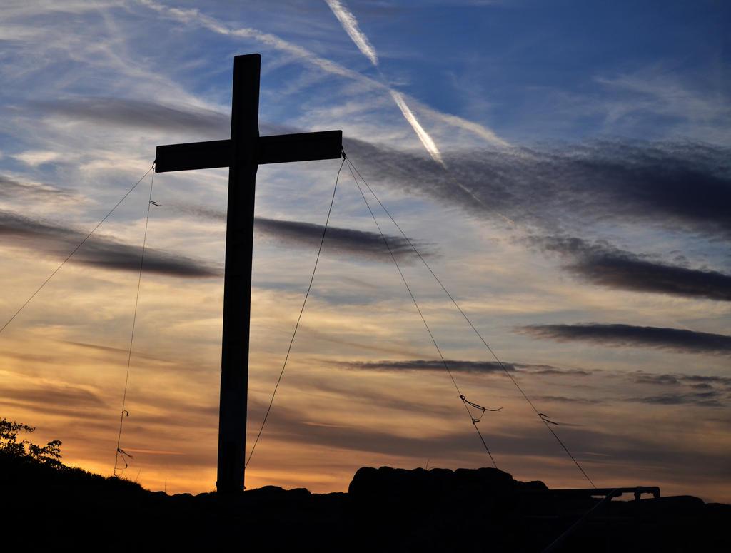 Cross by charlottina