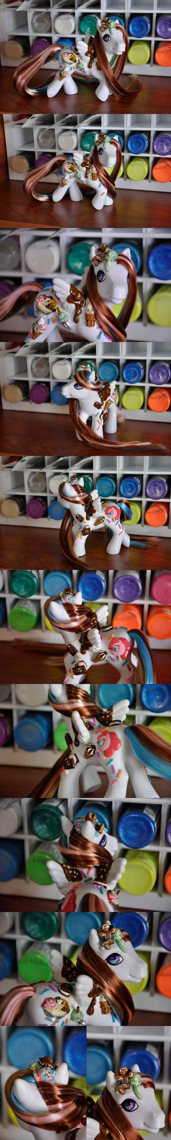 Ice cream luvin custom pony