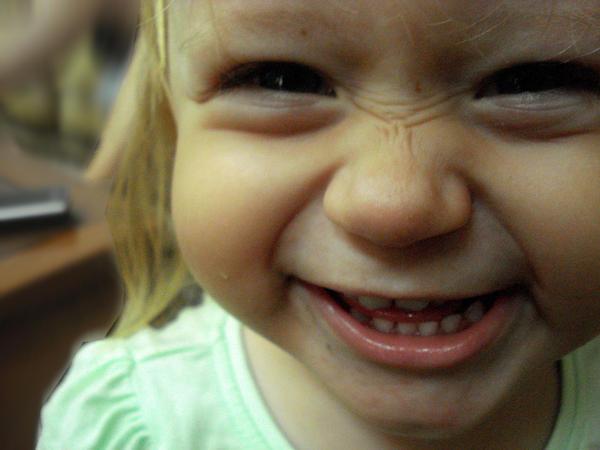 Cheeky grin by xxghostofyouxx - Iki Tane Di�i Var :) Bide Siritiyo :)