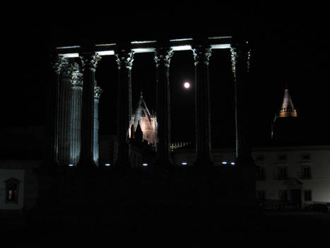 Se and Temple of Diana, Evora