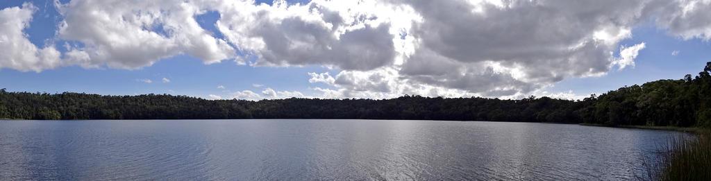 Lake 21