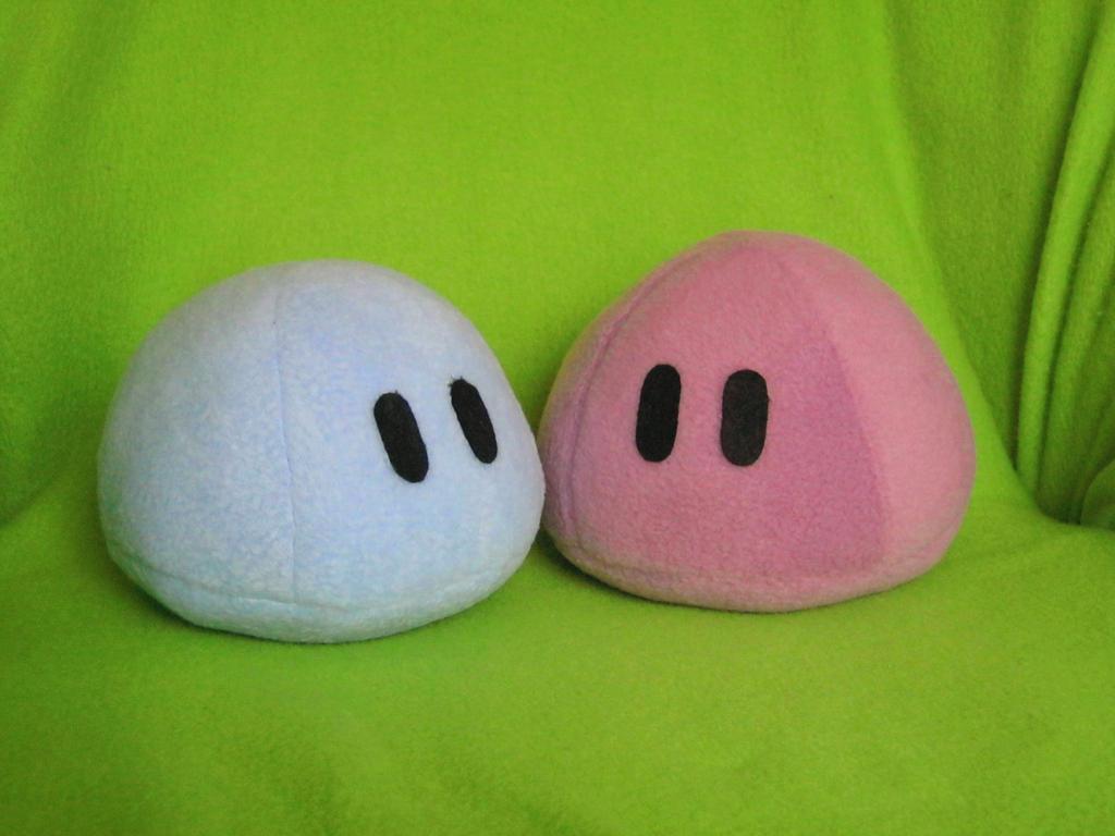 Two Plushie dango by PlushWorkshop
