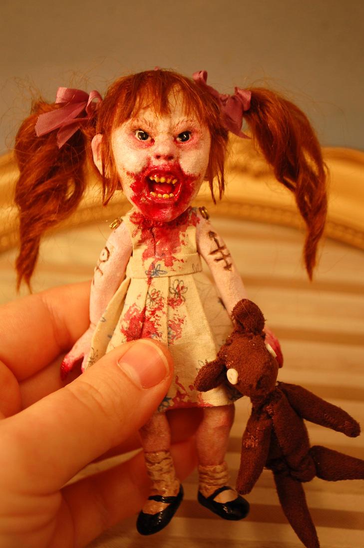 30 days of night vamp girl by Woodedwoods