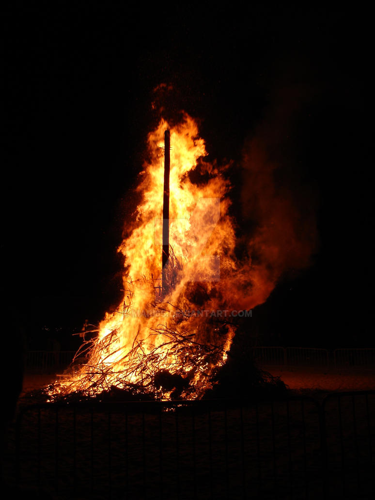 Bonfire by mari6s