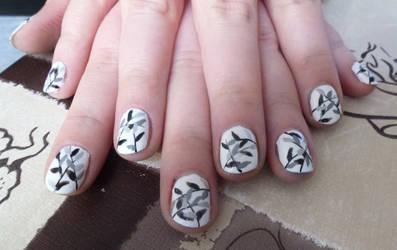 Grey leaves Nail Art by Lyralein