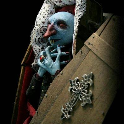 Nose-feratu  by Zombienose