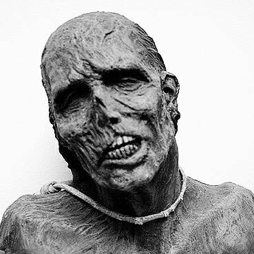 My mummy by Zombienose