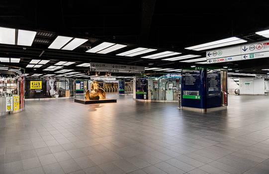 Empty station Chatelet