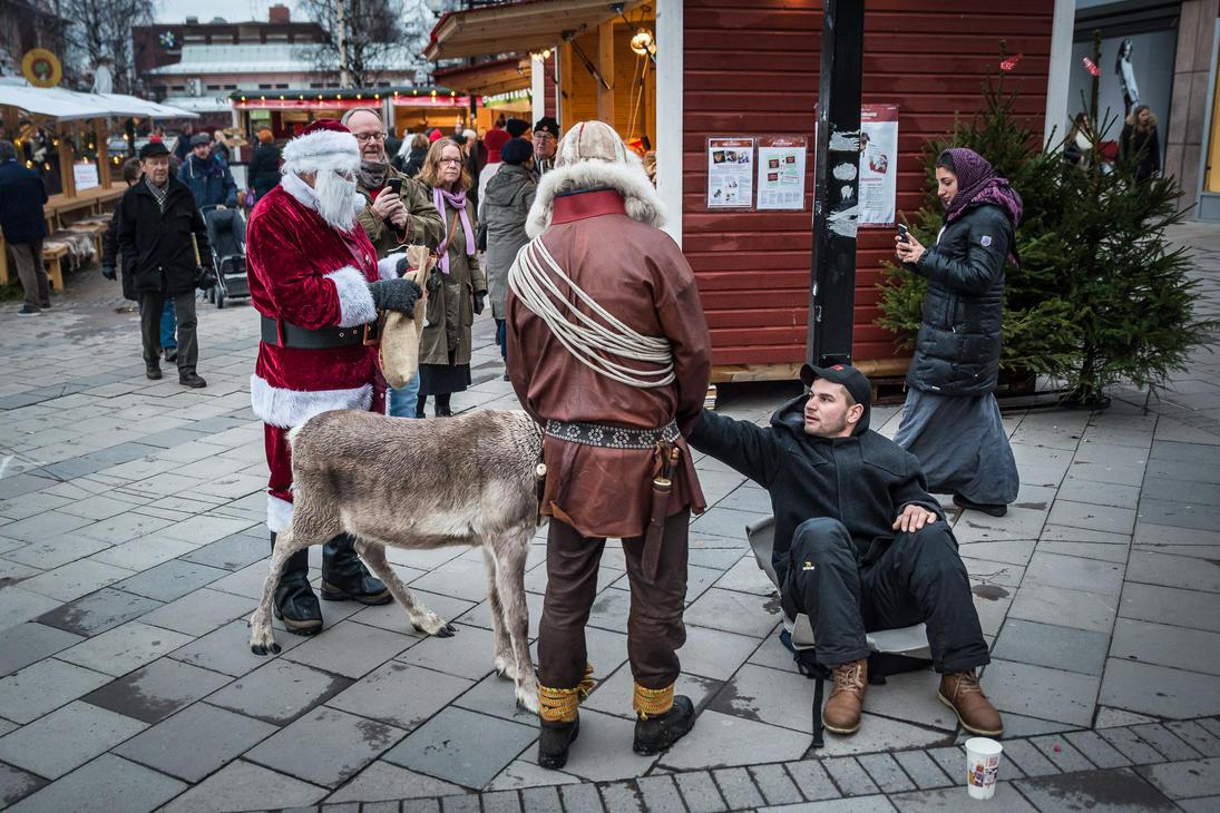 Santa's Reindeer Meets the Beggar by niklin1