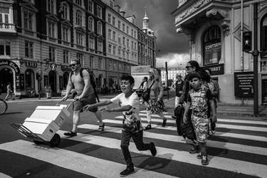 Crossing the Street by niklin1