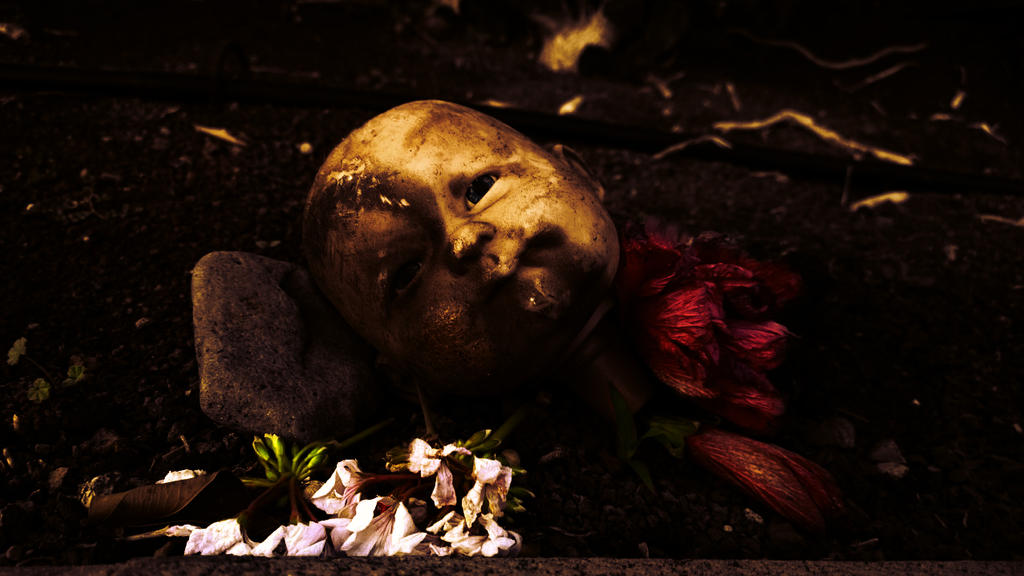 Baby doll head and petals by TEFpestana