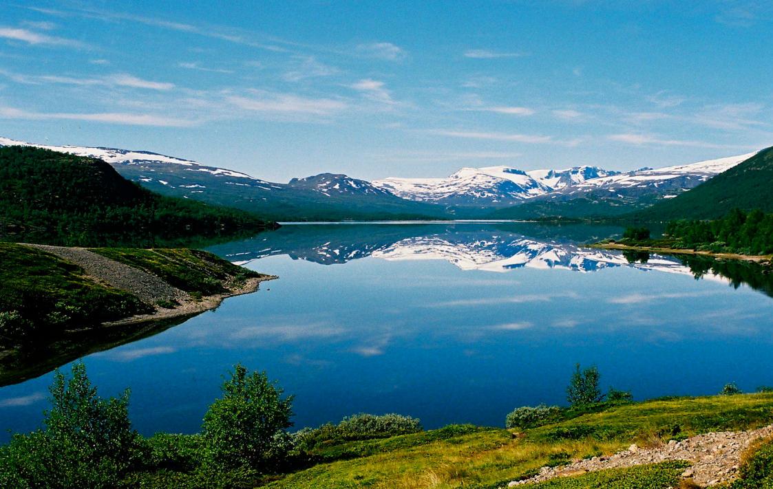 Mountain Lake by Lhox