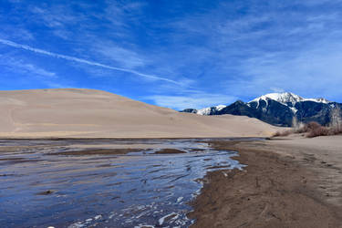 dune and mountain by KittyDarklore