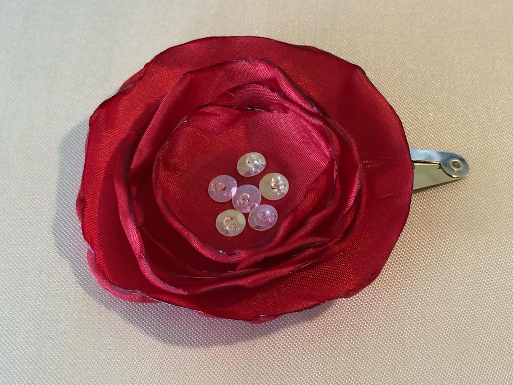 Red flower hair clip by Erzsabet
