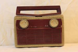 Old Radio 3 by Hjoranna