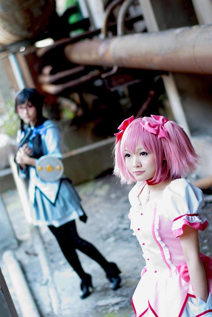Madoka and Homura by MissAnsa