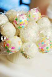 Cake Pops by xlilbabydragonx