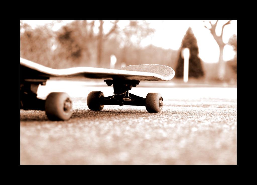 http://fc08.deviantart.com/fs14/i/2007/193/2/f/just_a_skateboard_by_MatthiasDO.jpg