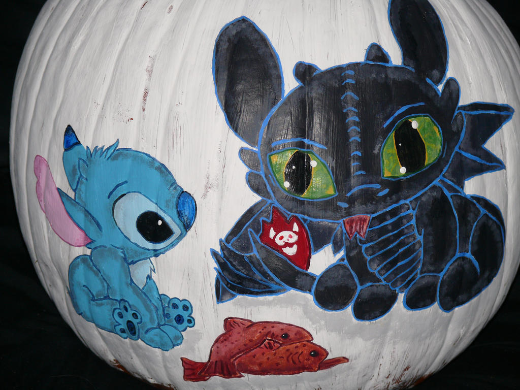 Stitch and Toothless pumpkin finished by Fallonkyra