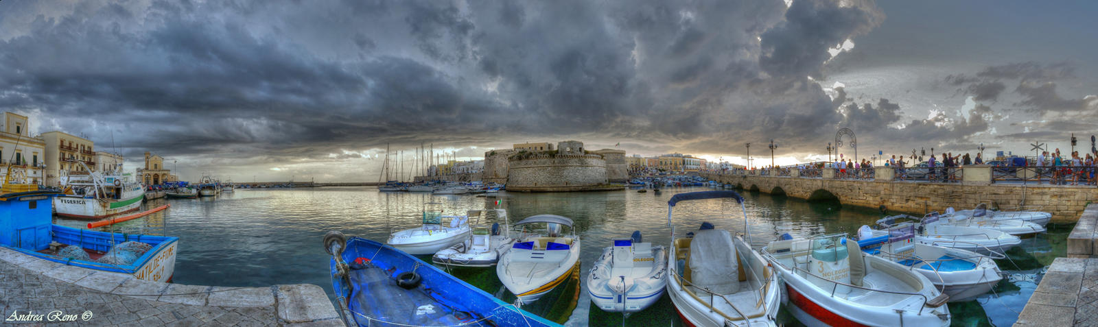 Gallipoli-Harbour by andreareno