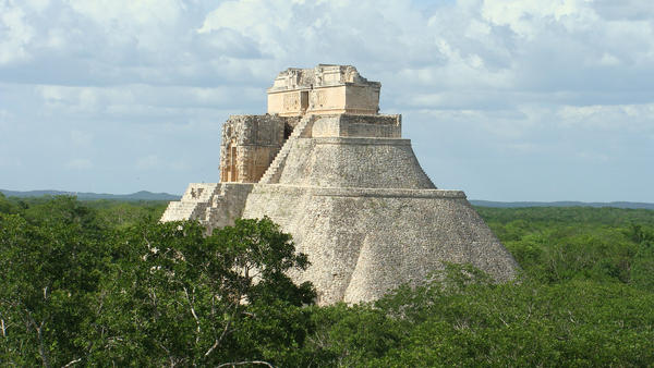 Mayan Pyramids by denilennon