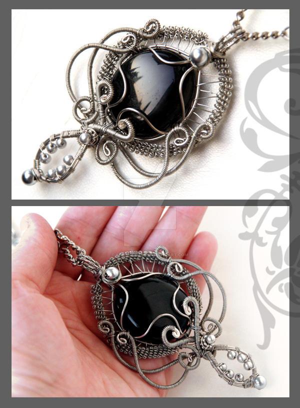 Morgaine pendant by Faeriedivine