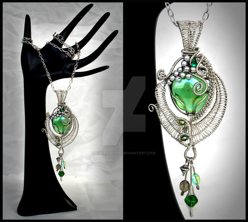 Absinthe pendant by Faeriedivine