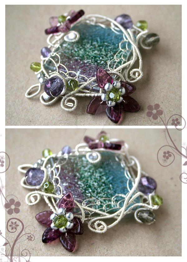 Spring brooch by Faeriedivine