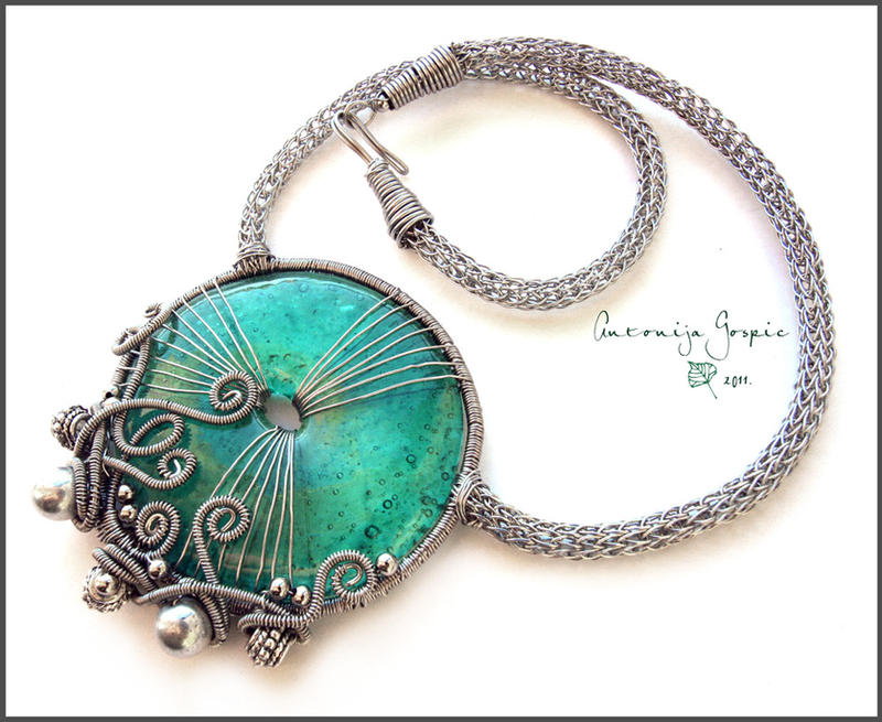 Turquoise glass donut necklace