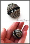 Wire wrapped bead