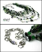 Darkgreen cobweb necklace