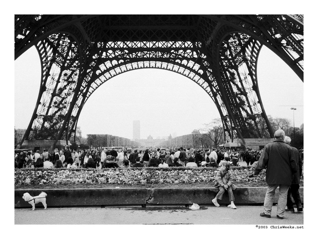 stretched at the tour eiffel by cweeks