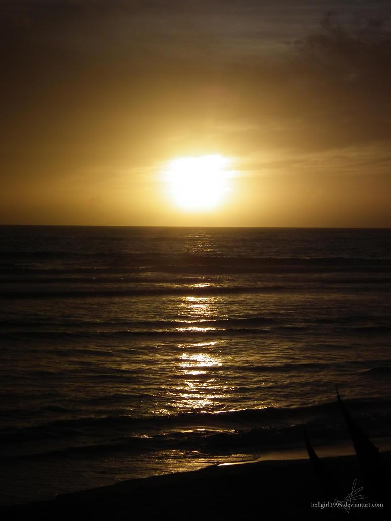 Golden Sunset by hellgirl1995