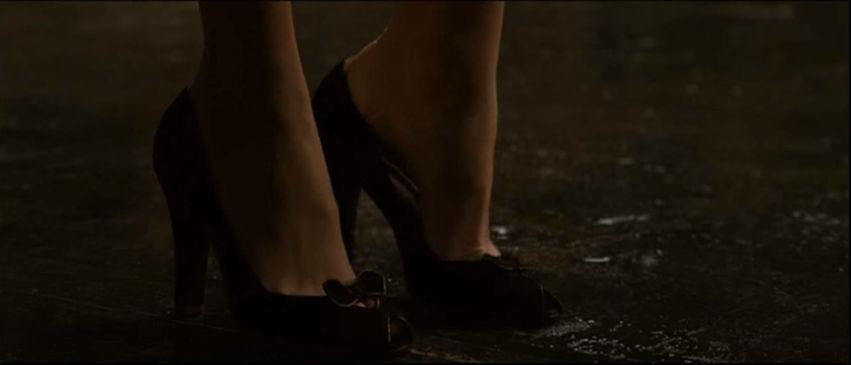 Lois Lane's Foot 1